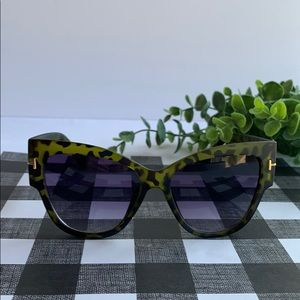 Menton Ezil Green Tortoise Shell Style Sunglasses